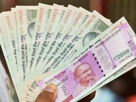 Rupee slumps to 71-mark first time ever